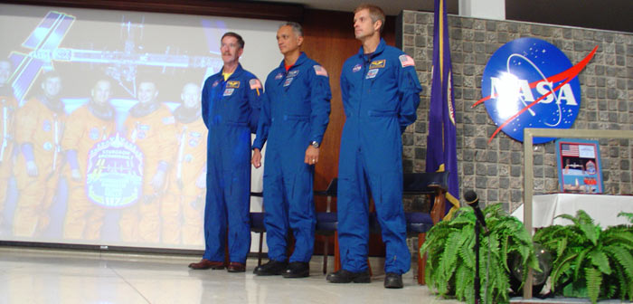 STS-117 Crew Photo at MSFC