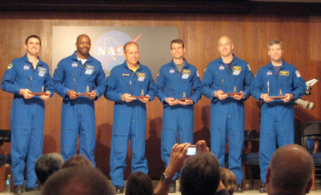 STS-122 Crew at MSFC