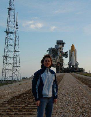 Liz Warren in front of Pad 39B